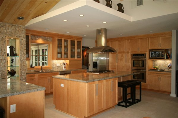 большие кухни фото